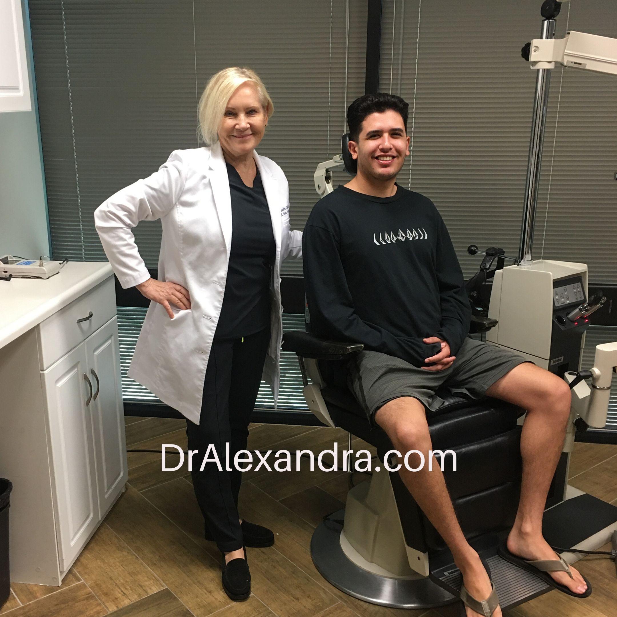 Newport Beach lasik patient with dr alexandra